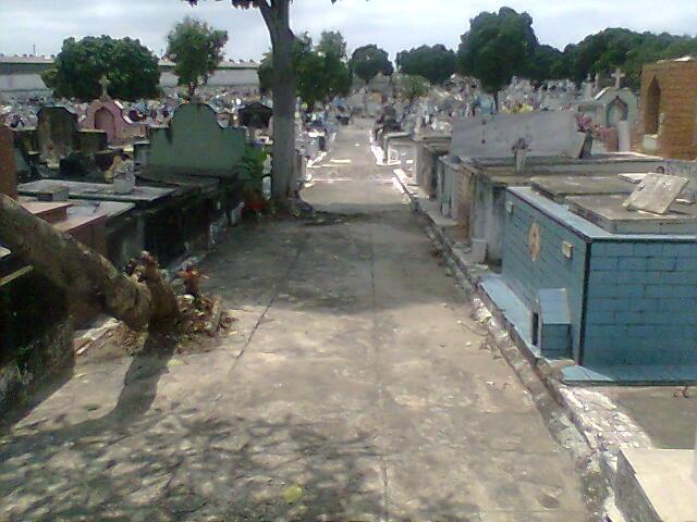 Coroa de Flores Cemitério do Irajá | Coroas 24 Horas Rio de Janeiro